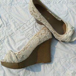 American Eagle wedge Shoes